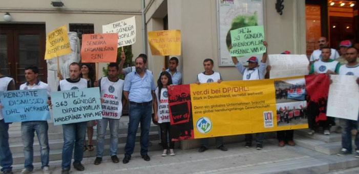 """İstanbul Müzik Festivali sponsoru """"sendika düşmanı DHL"""" protesto edildi"""